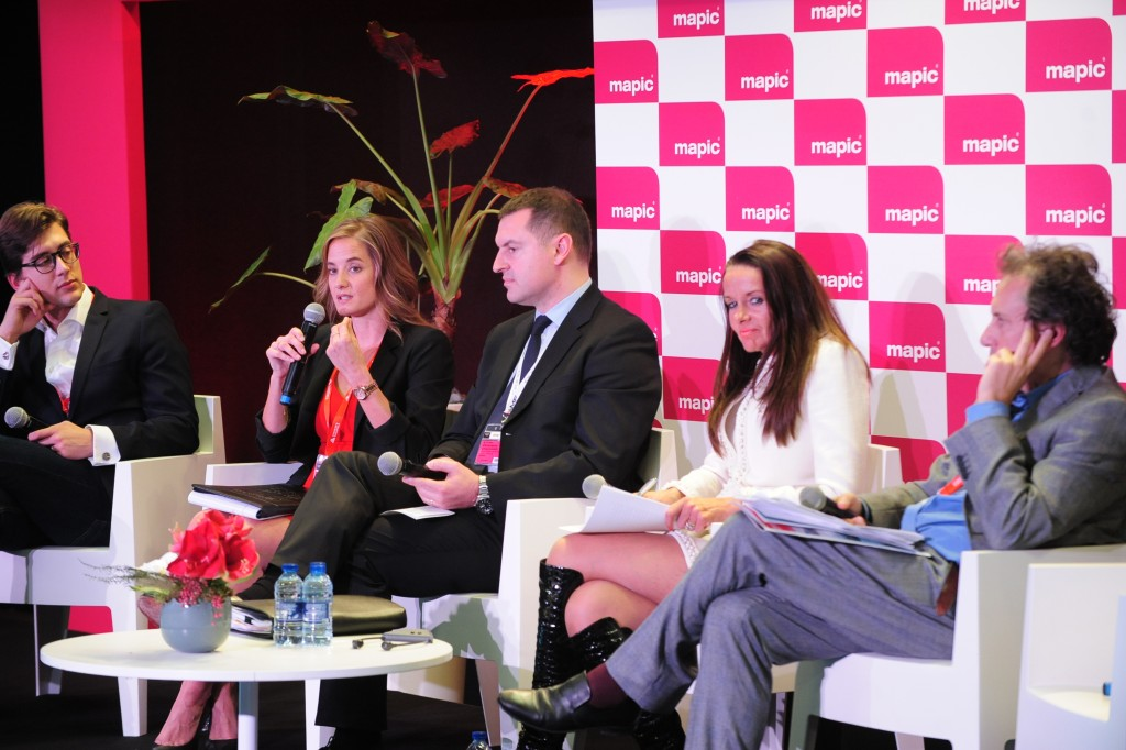 MAPIC 2015 - CONFERENCES - FOLLOWING THE TRENDS - RETAILTAINMENT - WHEN SHOPPING MALLS BECOME AMUSEMENT PARKS