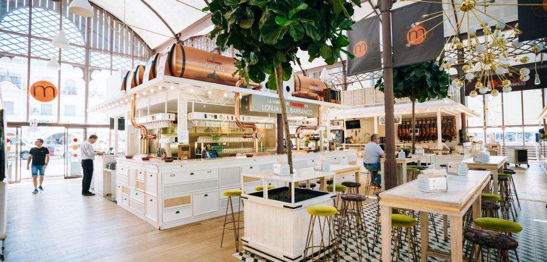 Food market and restaurant Mercado Gourmet Lonja Del Barranco © Ryhor Bruyeu/Getty Images